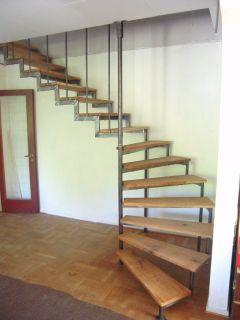 Trappklättrare svängd trappa